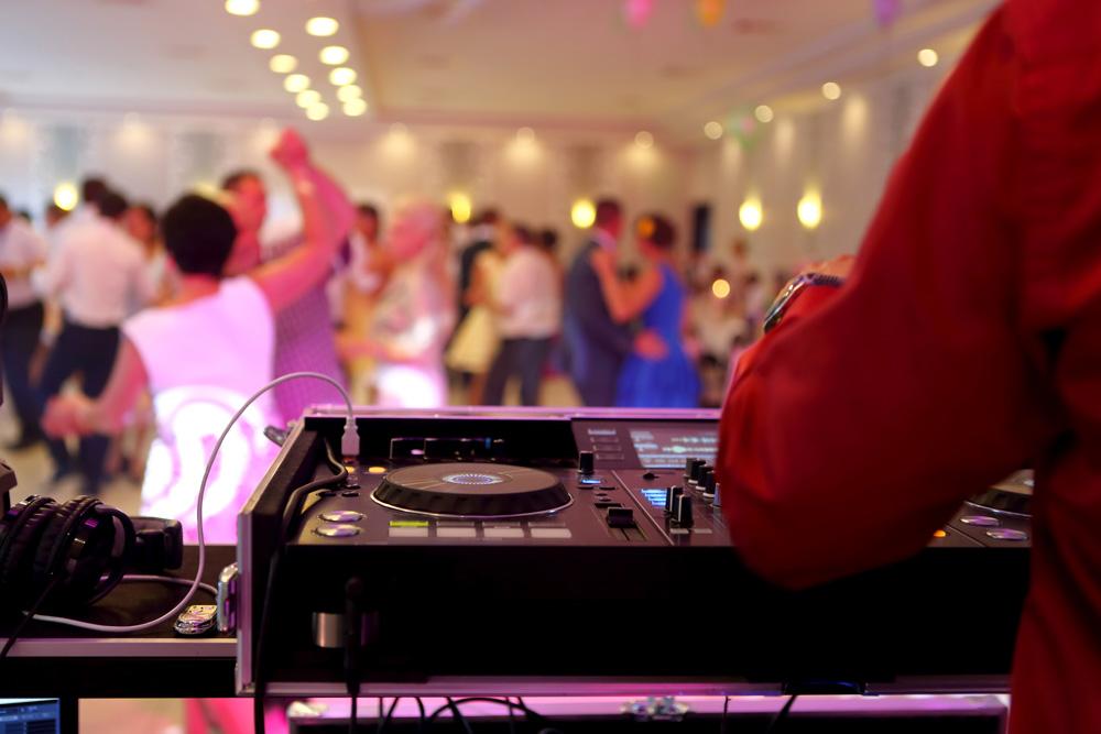 Disco-Tech-DJ-Demandes-Speciales